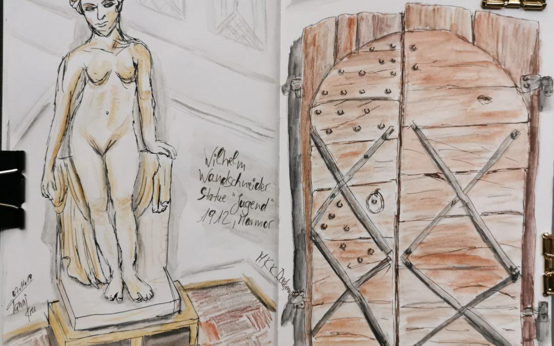 Statue Jugend und zweiflügelige Kirchentür um 1400